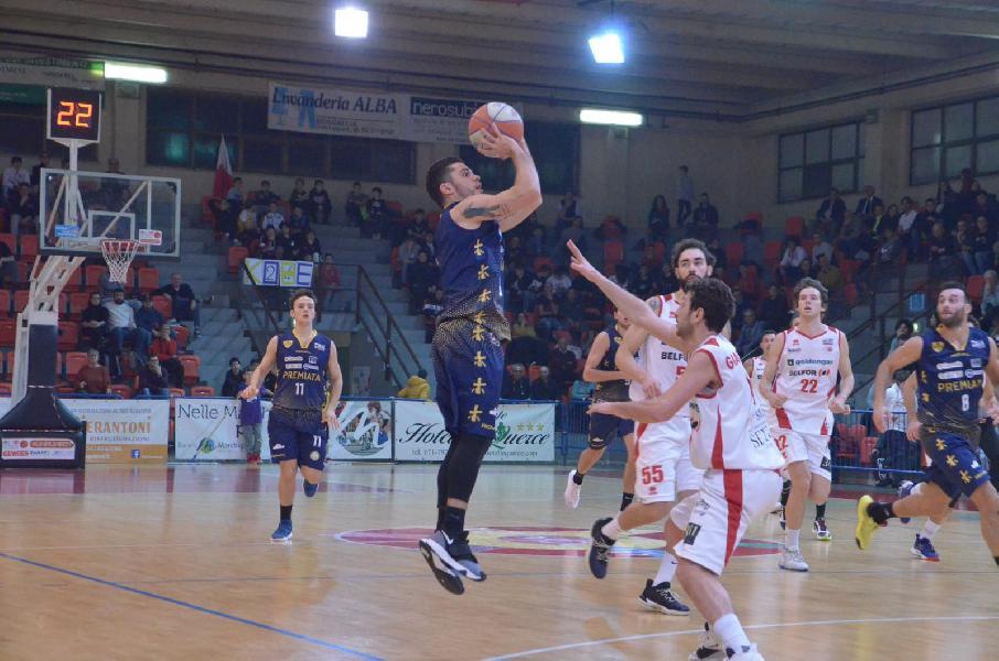 https://www.basketmarche.it/immagini_articoli/02-02-2020/pallacanestro-senigallia-vittoria-sutor-montegranaro-gurini-punti-600.jpg
