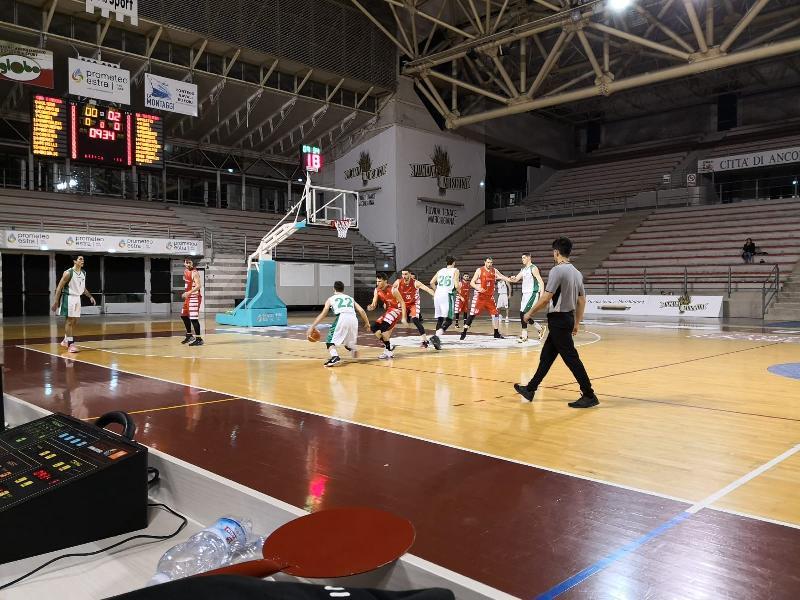https://www.basketmarche.it/immagini_articoli/02-02-2020/stamura-ancona-vince-convince-basket-tolentino-600.jpg