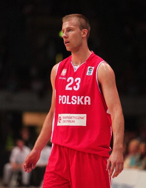 https://www.basketmarche.it/immagini_articoli/02-02-2021/colpo-sorpresa-olimpia-milano-vicino-arrivo-lungo-jakub-wojciechowski-600.jpg