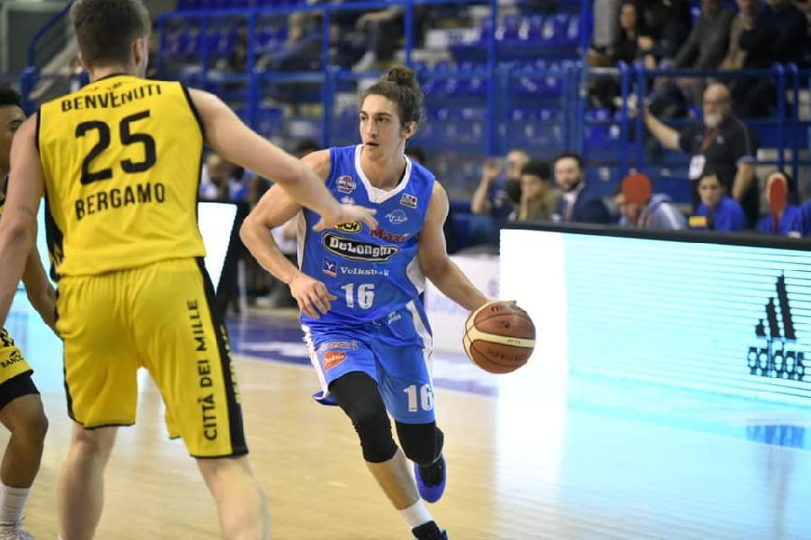 https://www.basketmarche.it/immagini_articoli/02-03-2019/pagelle-bergamo-treviso-tessitori-logan-migliori-bene-burnett-roderick-taylor-600.jpg