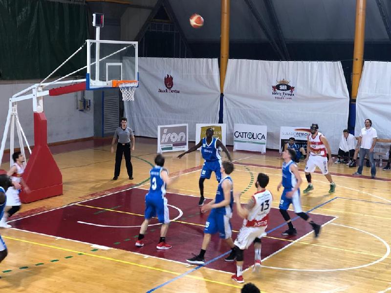 https://www.basketmarche.it/immagini_articoli/02-03-2019/serie-silver-girone-marche-umbria-assisi-conferma-tolentino-taurus-esultano-600.jpg