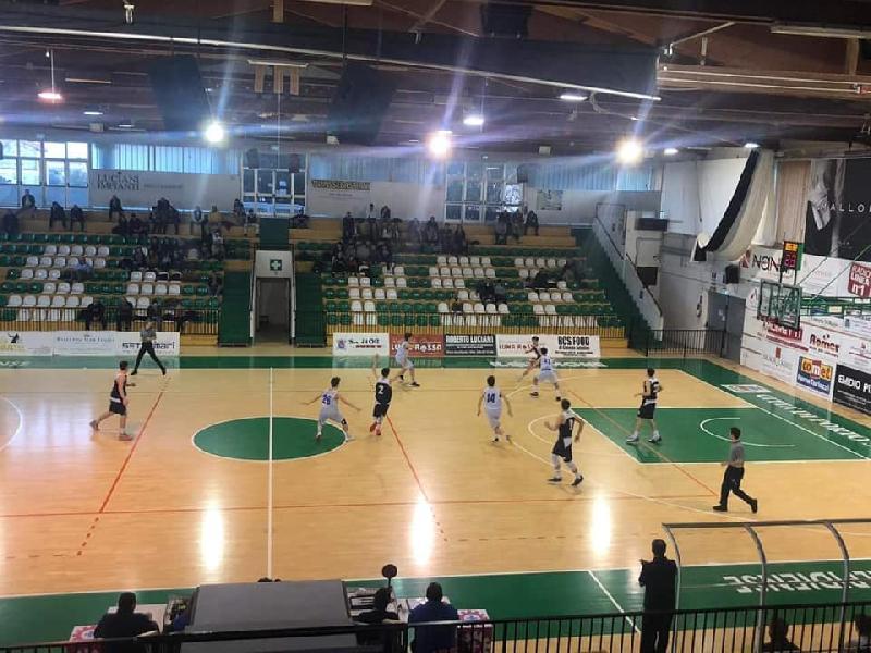 https://www.basketmarche.it/immagini_articoli/02-04-2019/interregionale-giornata-livorno-unica-imbattuta-roma-pescara-sbloccano-600.jpg