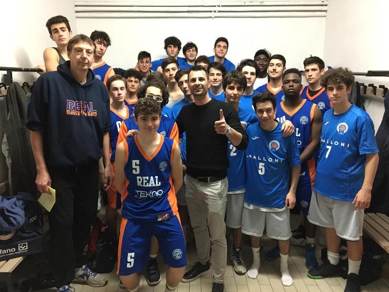 https://www.basketmarche.it/immagini_articoli/02-04-2019/porto-sant-elpidio-basket-real-basket-club-pesaro-insieme-bambini-senegal-600.jpg