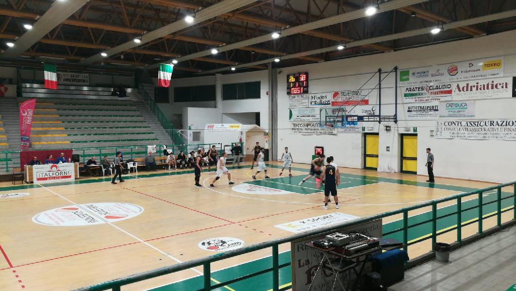 https://www.basketmarche.it/immagini_articoli/02-04-2019/posticipo-camb-montecchio-supera-basket-durante-urbania-esaltante-rimonta-600.jpg