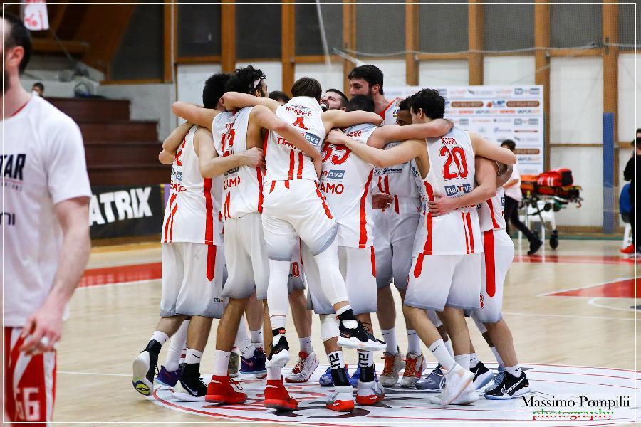 https://www.basketmarche.it/immagini_articoli/02-04-2021/teramo-spicchi-vittoria-recupero-falconstar-monfalcone-600.jpg