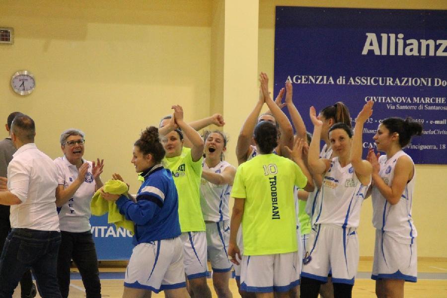 https://www.basketmarche.it/immagini_articoli/02-05-2019/serie-femminile-playoff-feba-civitanova-aggiudica-gara-cestistica-spezzina-600.jpg