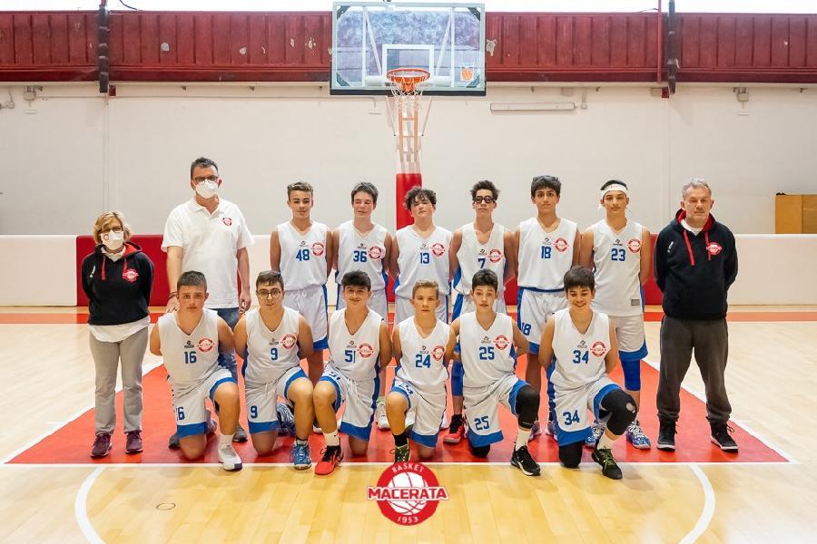 https://www.basketmarche.it/immagini_articoli/02-05-2021/under-ottimo-esordio-basket-macerata-sambenedettese-basket-600.jpg
