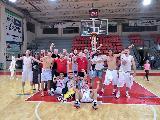 https://www.basketmarche.it/immagini_articoli/02-06-2018/d-regionale-spareggio-grande-gioia-in-casa-tolentino-basket-per-il-ritorno-in-serie-c-silver-120.jpg