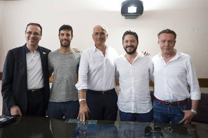 https://www.basketmarche.it/immagini_articoli/02-06-2018/serie-a2-coach-pancotto--la-poderosa-montegranaro-è-una-grande-sfida-per-me--270.jpg