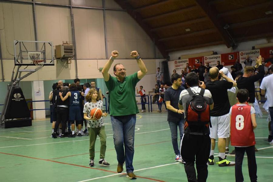 https://www.basketmarche.it/immagini_articoli/02-06-2019/pall-acqualagna-coach-renzi-fatta-grande-stagione-sarei-contento-rimanere-dobbiamo-parlarne-600.jpg