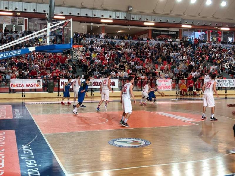 https://www.basketmarche.it/immagini_articoli/02-06-2019/serie-silver-playoff-vasto-basket-promosso-serie-gold-600.jpg