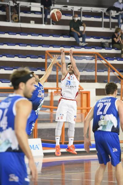 https://www.basketmarche.it/immagini_articoli/02-06-2021/pescara-basket-vince-derby-amatori-pescara-conferma-testa-classifica-600.jpg