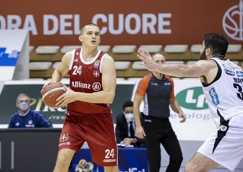 https://www.basketmarche.it/immagini_articoli/02-07-2021/pallacanestro-trieste-completa-reparto-lunghi-conferma-andrejs-grazulis-600.jpg