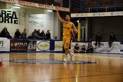 https://www.basketmarche.it/immagini_articoli/02-08-2018/serie-c-gold-video-sutor-montegranaro-tutti-a--casa-temperini--nicola-si-riprenderà-per-l-inizio-della-stagione-270.jpg