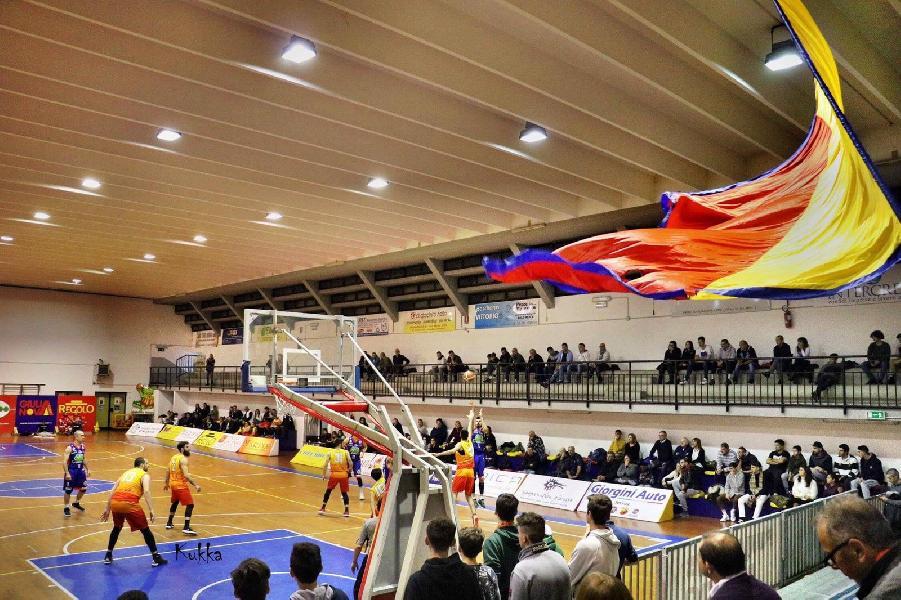 https://www.basketmarche.it/immagini_articoli/02-08-2019/giulianova-basket-chiama-raccolta-propri-tifosi-senza-partiremo-meno-600.jpg