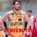 https://www.basketmarche.it/immagini_articoli/02-08-2021/ufficiale-oleggio-magic-basket-firma-sutor-montegranaro-alessandro-riva-120.jpg