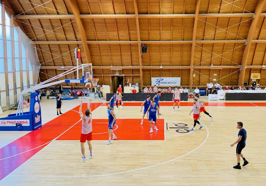 https://www.basketmarche.it/immagini_articoli/02-09-2021/buone-indicazioni-teramo-spicchi-amichevole-pescara-basket-600.jpg