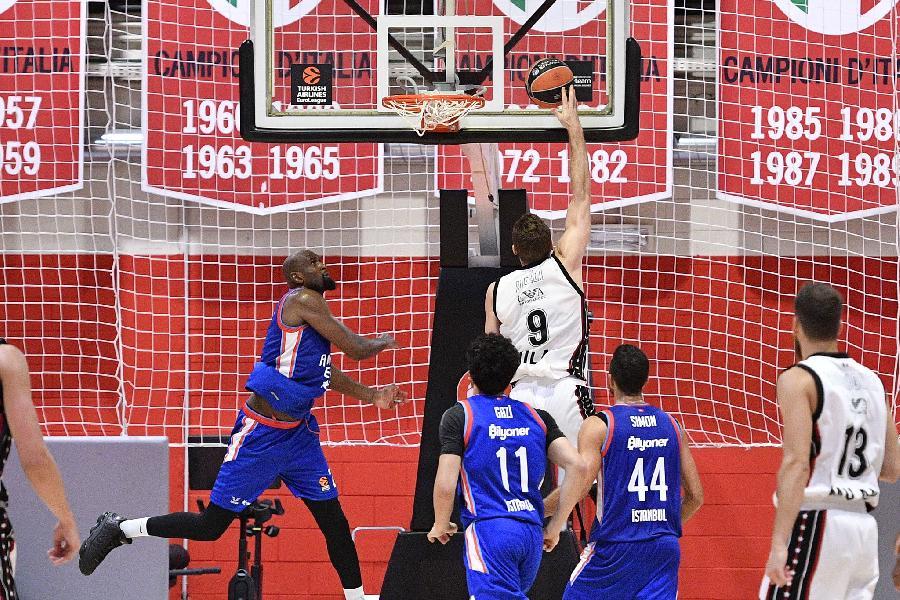 https://www.basketmarche.it/immagini_articoli/02-09-2021/olimpia-milano-gioca-ottimo-primo-tempo-prima-arrendersi-anadolu-efes-600.jpg