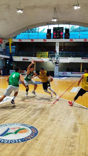https://www.basketmarche.it/immagini_articoli/02-09-2021/rimaneggiata-sutor-montegranaro-sfigura-primo-test-amichevole-600.jpg