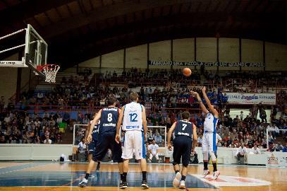https://www.basketmarche.it/immagini_articoli/02-10-2017/serie-b-nazionale-la-virtus-civitanova-espugna-allo-scadere-il-campo-di-fabriano-270.jpg