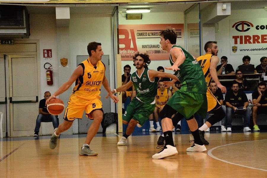 https://www.basketmarche.it/immagini_articoli/02-10-2018/basket-fossombrone-paga-tensione-nervosismo-montegranaro-600.jpg