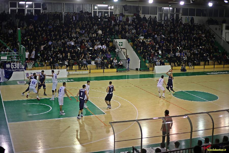 https://www.basketmarche.it/immagini_articoli/02-10-2018/derby-senigallia-porto-sant-elpidio-tutte-informazioni-biglietti-600.jpg