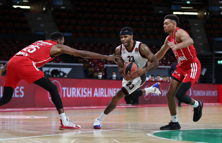 https://www.basketmarche.it/immagini_articoli/02-10-2020/euroleague-tripla-shields-lancia-olimpia-milano-bayern-monaco-battuto-dopo-overtime-600.jpg