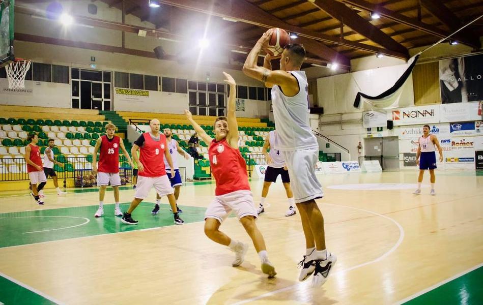 https://www.basketmarche.it/immagini_articoli/02-10-2020/indicazioni-positive-porto-sant-elpidio-basket-amichevole-robur-osimo-600.jpg