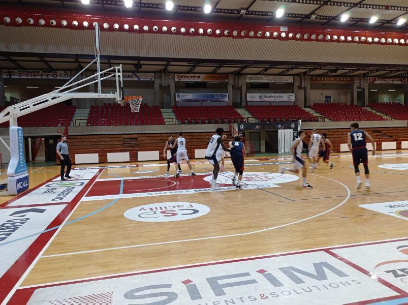 https://www.basketmarche.it/immagini_articoli/02-10-2021/coppa-centenario-pallacanestro-acqualagna-espugna-campo-aurora-jesi-600.jpg