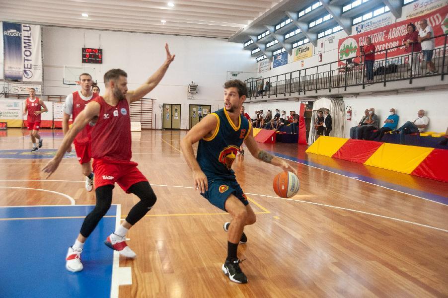 https://www.basketmarche.it/immagini_articoli/02-10-2021/giulia-basket-giulianova-pronto-debutto-campionato-virtus-civitanova-600.jpg