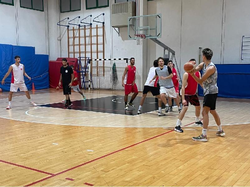 https://www.basketmarche.it/immagini_articoli/02-10-2021/robur-osimo-attesa-trasferta-matelica-pronti-esordio-argentini-600.jpg