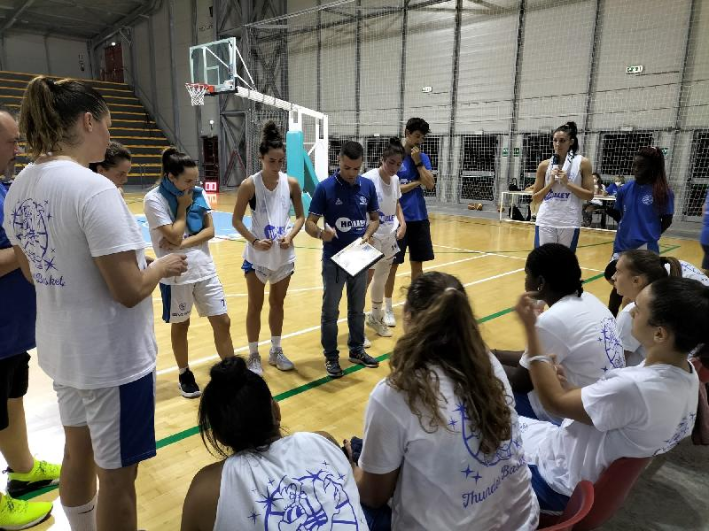 https://www.basketmarche.it/immagini_articoli/02-10-2021/thunder-matelica-fabriano-chiude-precampionato-battendo-basket-girls-ancona-600.jpg