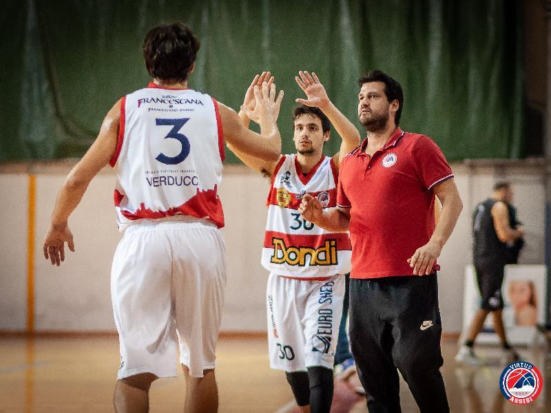 https://www.basketmarche.it/immagini_articoli/02-11-2018/virtus-assisi-coach-piazza-vogliamo-tornare-vittoria-attenzione-marino-600.jpg