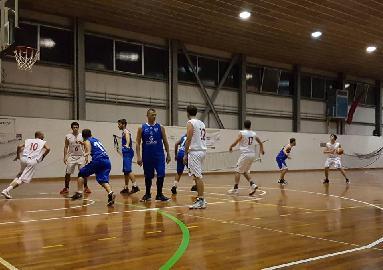 https://www.basketmarche.it/immagini_articoli/02-12-2017/promozione-c-un-ottimo-lorenzini-guida-l-adriatico-ancona-alla-vittoria-contro-la-futura-osimo-270.jpg