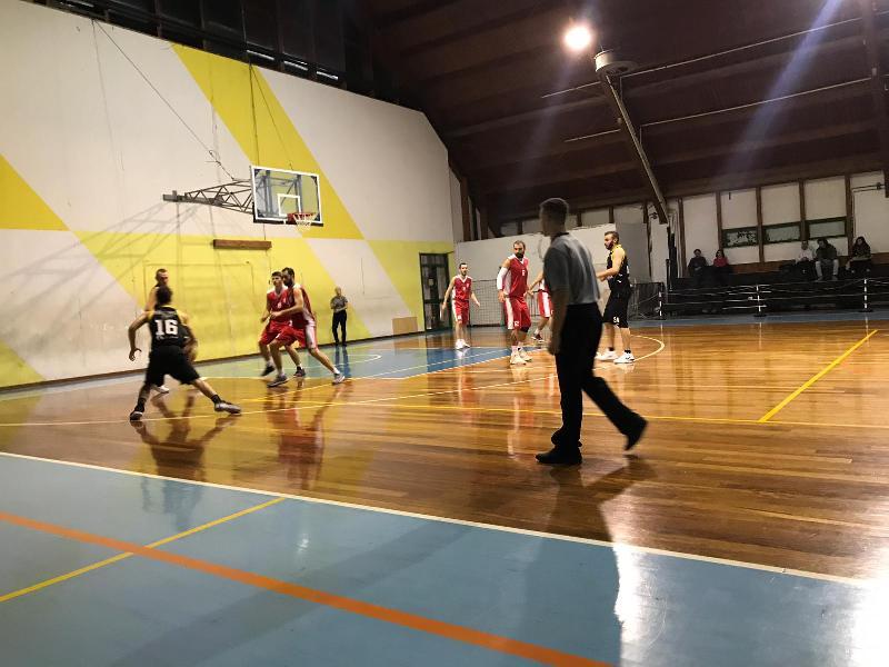 https://www.basketmarche.it/immagini_articoli/02-12-2018/basket-maceratese-passa-forza-campo-brown-sugar-fabriano-600.jpg