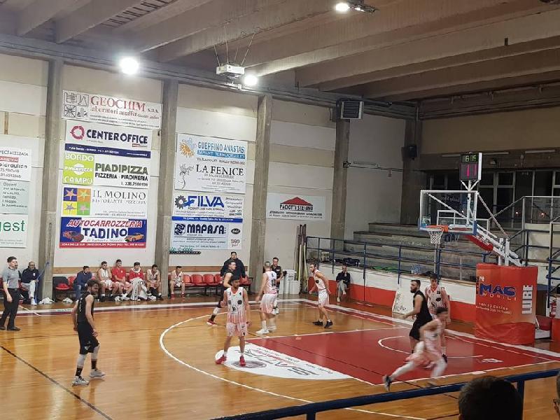 https://www.basketmarche.it/immagini_articoli/02-12-2018/basket-todi-espugna-campo-basket-gualdo-conquista-terza-vittoria-consecutiva-600.jpg