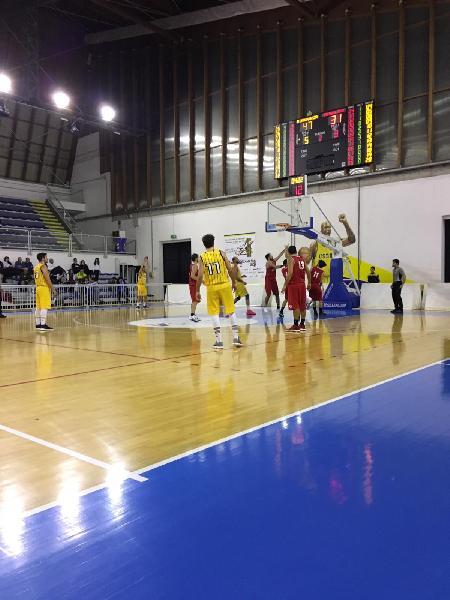 https://www.basketmarche.it/immagini_articoli/02-12-2018/netta-vittoria-pallacanestro-recanati-basket-tolentino-600.jpg