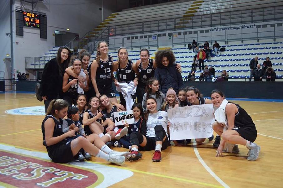https://www.basketmarche.it/immagini_articoli/02-12-2018/ottima-panthers-roseto-supera-olimpia-pesaro-600.jpg