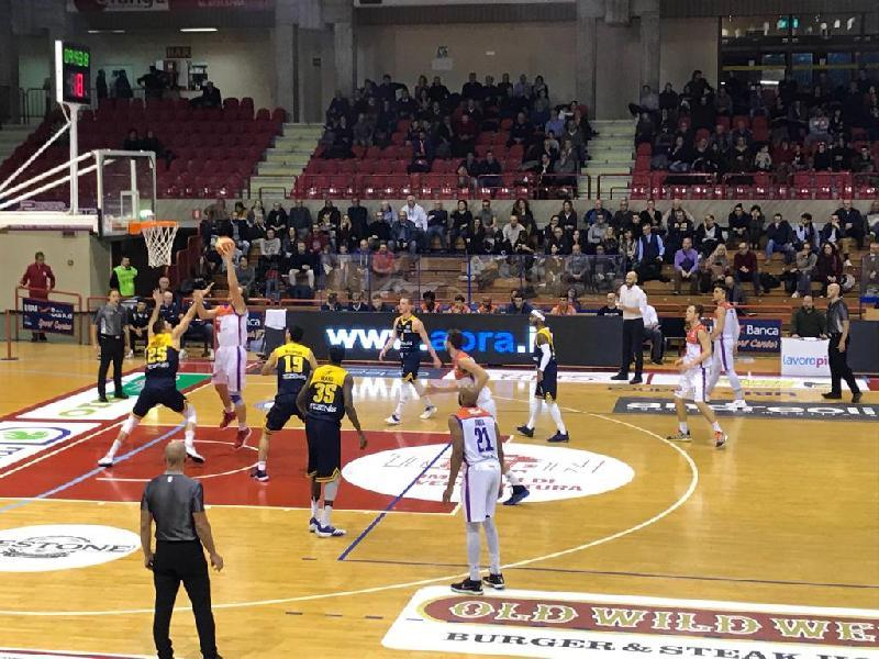 https://www.basketmarche.it/immagini_articoli/02-12-2018/pagelle-jesi-verona-rinaldi-migliori-positivi-jones-henderson-ferguson-600.jpg