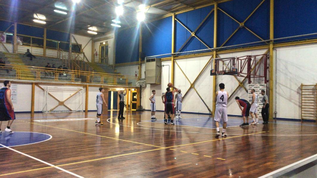 https://www.basketmarche.it/immagini_articoli/02-12-2019/basket-gubbio-ferma-corsa-basket-contigliano-600.jpg