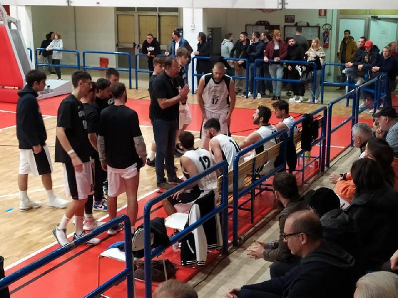 https://www.basketmarche.it/immagini_articoli/02-12-2019/pallacanestro-acqualagna-coach-renzi-todi-stata-bella-partita-chiedo-maggiore-considerazione-600.jpg
