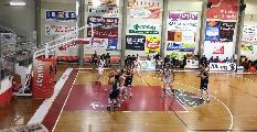 https://www.basketmarche.it/immagini_articoli/02-12-2019/recanati-coach-pesaresi-infortunio-principi-situazione-falli-hanno-condizionato-nostra-gara-120.jpg