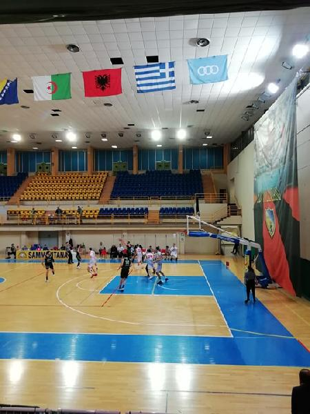 https://www.basketmarche.it/immagini_articoli/02-12-2019/unibasket-lanciano-derby-magic-basket-chieti-arriva-sesta-vittoria-consecutiva-600.jpg