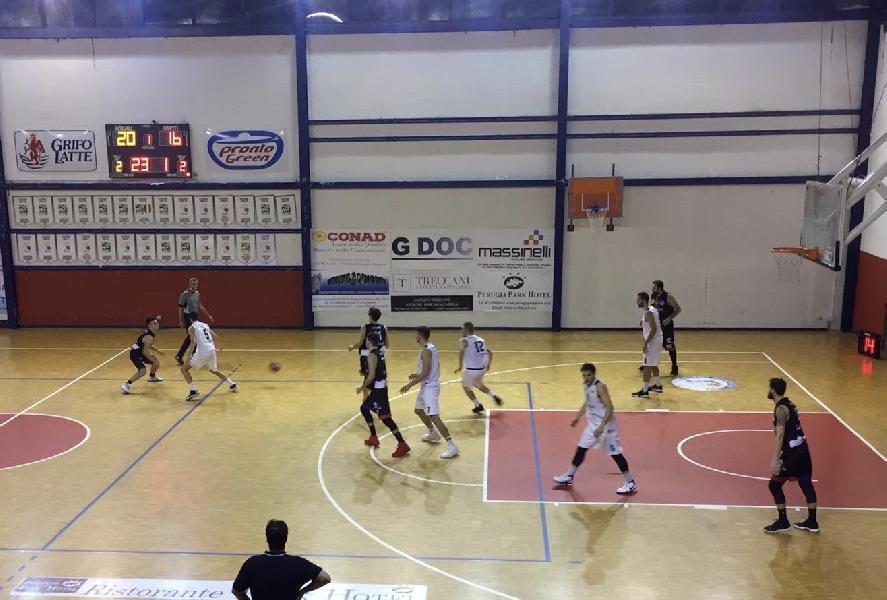 https://www.basketmarche.it/immagini_articoli/02-12-2019/virtus-assisi-sconfitta-derby-campo-valdiceppo-basket-600.jpg