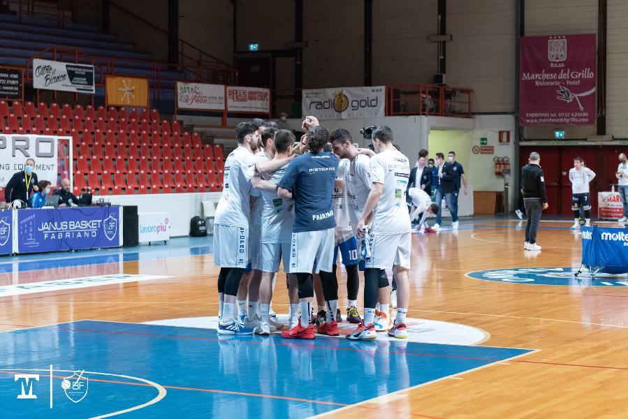 https://www.basketmarche.it/immagini_articoli/03-01-2021/janus-fabriano-rischio-svolgimento-partita-gennaio-giulianova-600.jpg