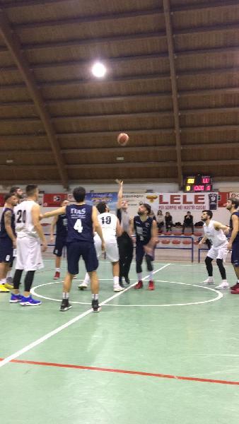 https://www.basketmarche.it/immagini_articoli/03-02-2019/basket-giovane-pesaro-espugna-campo-pallacanestro-acqualagna-secondo-600.jpg