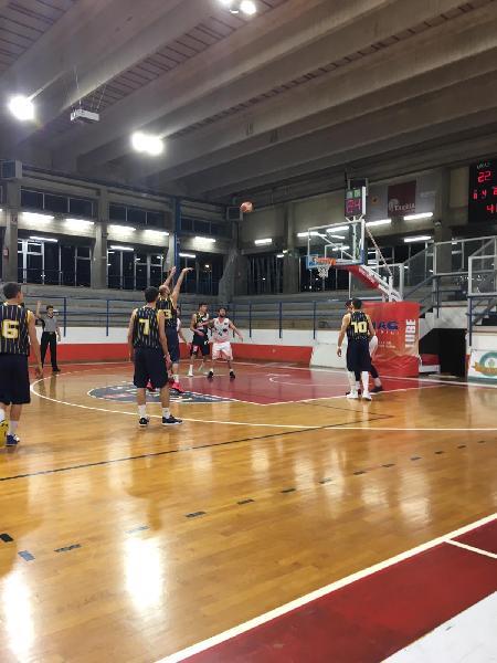 https://www.basketmarche.it/immagini_articoli/03-02-2019/convincente-vittoria-pallacanestro-recanati-campo-basket-gualdo-600.jpg
