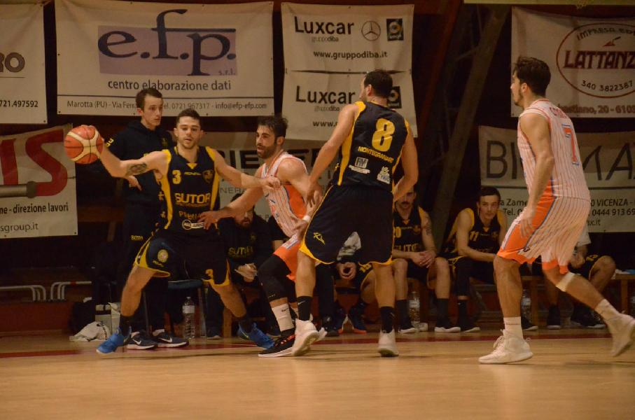 https://www.basketmarche.it/immagini_articoli/03-02-2019/gold-magic-basket-lanciano-valdiceppo-comando-punti-playoff-bramante-pisaurum-samb-600.jpg