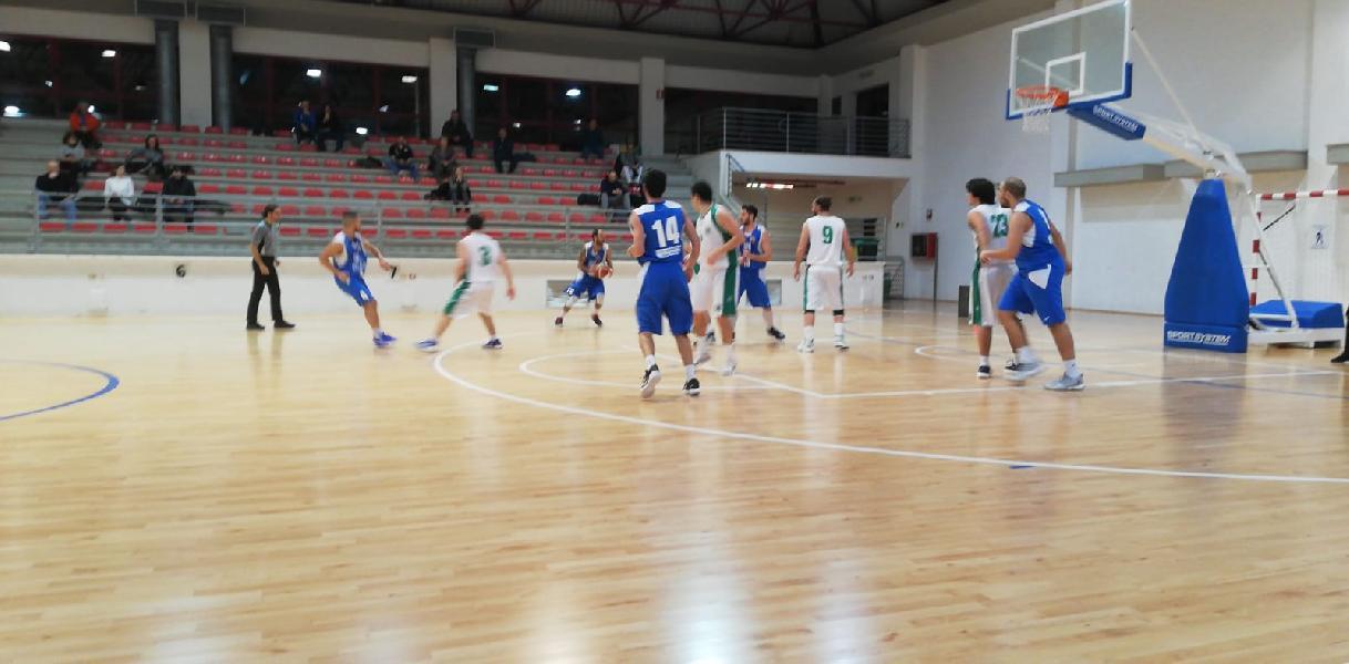 https://www.basketmarche.it/immagini_articoli/03-02-2019/montemarciano-espugna-campo-stamura-ancona-vittoria-600.jpg