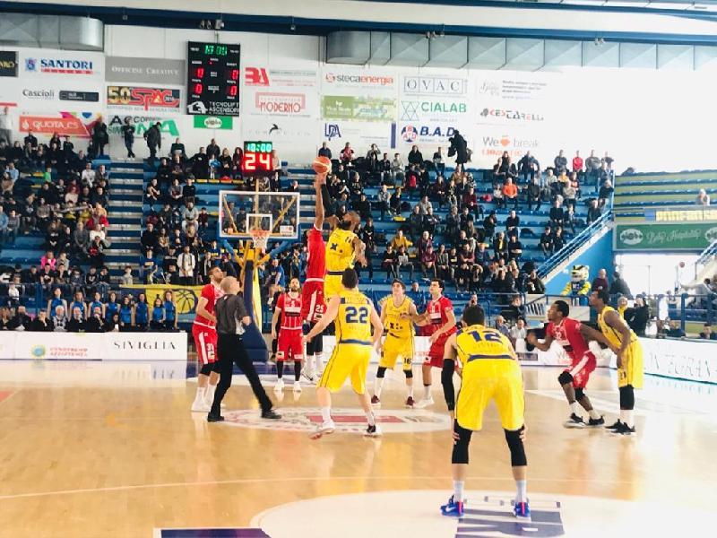 https://www.basketmarche.it/immagini_articoli/03-02-2019/poderosa-montegranaro-continua-volare-forl-arriva-nona-vittoria-fila-600.jpg